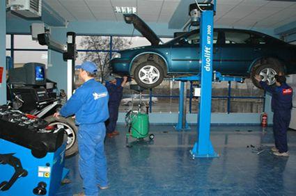 Service-urile auto vor oferi proprietarilor posibilitatea de a asista la reparațiile mașinilor