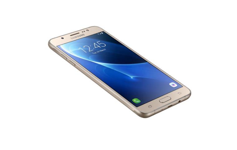 Recomandarea săptămânii 24: Telefon mobil Samsung Galaxy J5 (2016)